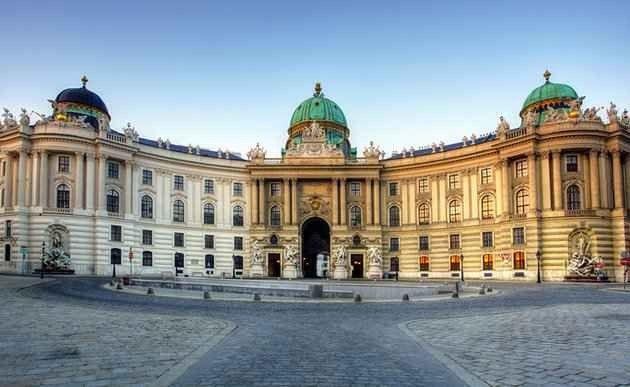 أشهر الأماكن السياحية في النمسا..واحدة من أشهر واجهات العطل في أوروبا