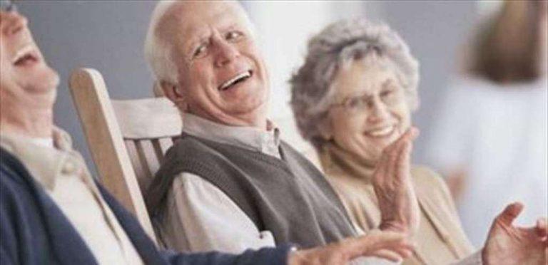 أفضل هدايا لكبار السن .. إليك قائمة بأفضل الهدايا التي يمكنك جلبها لكبار السن