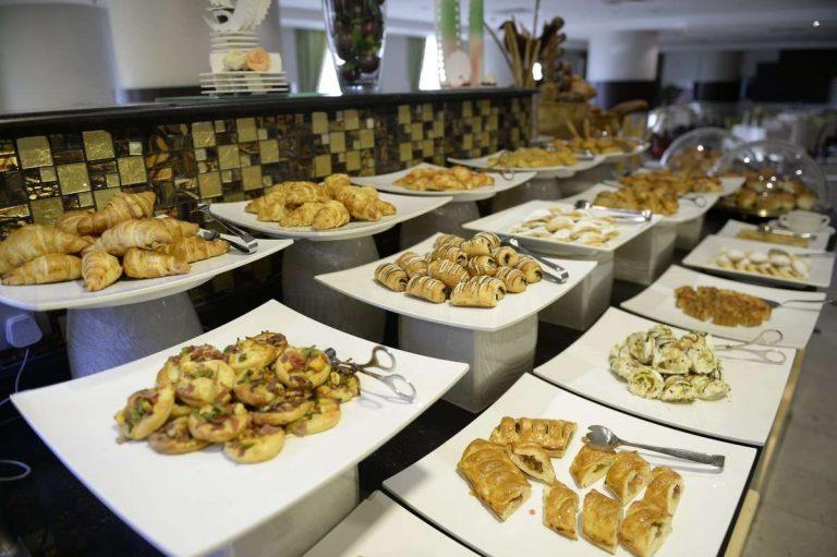 أفضل بوفيه فطور في مكة المكرمة.. إليك قائمة بأفضل بوفيهات الفطور بمكة