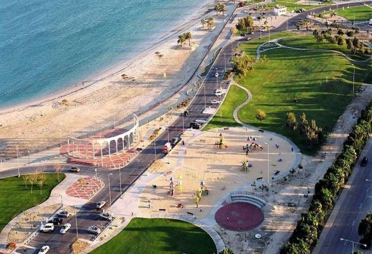 أنشطة شاطئ الفناتير في الجبيل… تعرف على الأنشطة التي يوفرها لك شاطئ الفناتير بالجبيل
