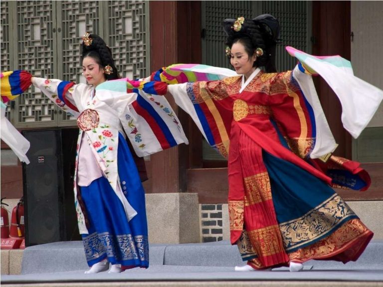 أنواع الرقص الكوري.. تعرف على أشهر 7 أنواع للرقص الكوري –