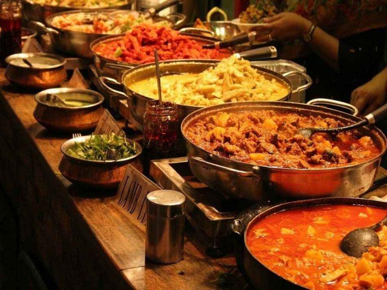 الأكلات المشهورة في الهند.. تعرف على أشهر 9 وصفات هندية اجتاحت العالم –