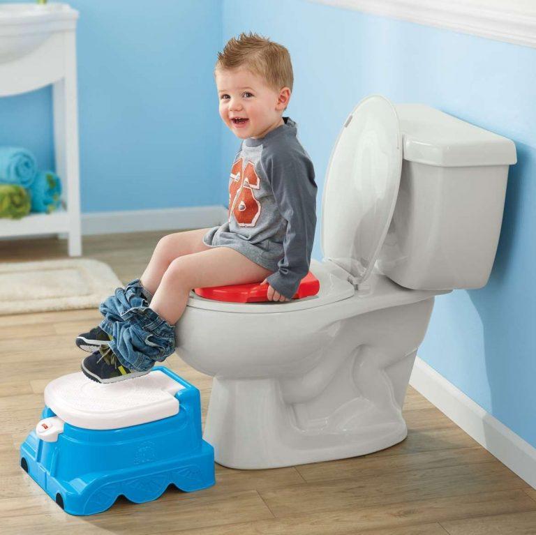 طريقة تعليم الأطفال الحمام .. تعرف على كيفية تعليم طفلك عادات الحمام المناسبة