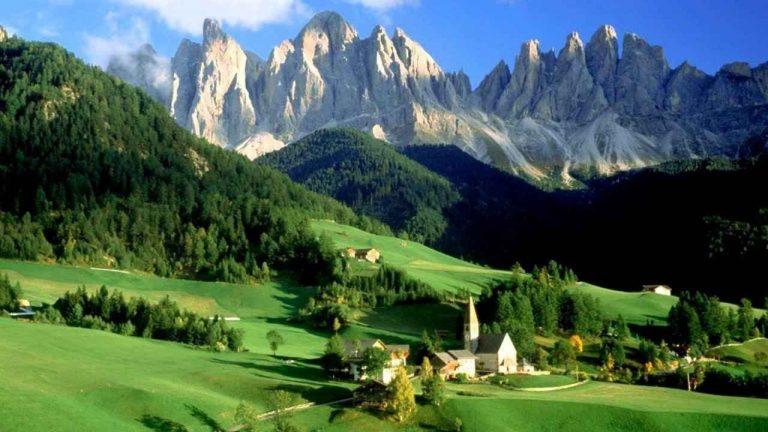 السياحة في الريف الإيطالي .. تشتهر إيطاليا بسحر مدن الجنوب فيها المطلة على البحر