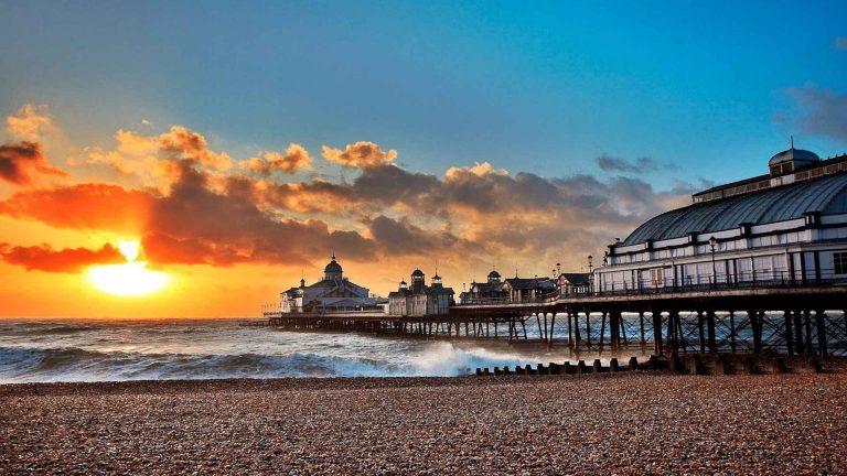 السياحة في إيستبورن البريطانية : و 11 اماكن سياحية في إيستبورن البريطانية ..