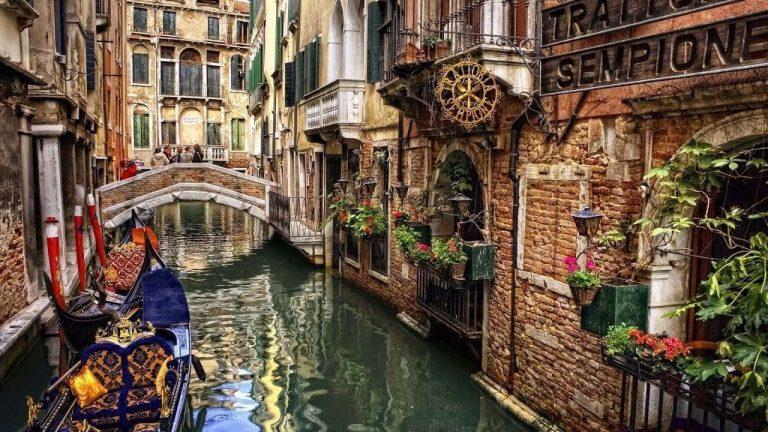 السياحة في ايطاليا في شهر ديسمبر /  بحر المعرفة
