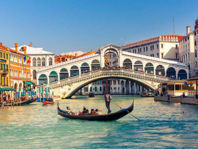 السياحة في ايطاليا في شهر نوفمبر /  بحر المعرفة