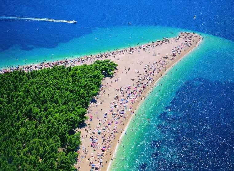 السياحة في جزيرة براك كرواتيا – و أهم 11 مكان سياحي