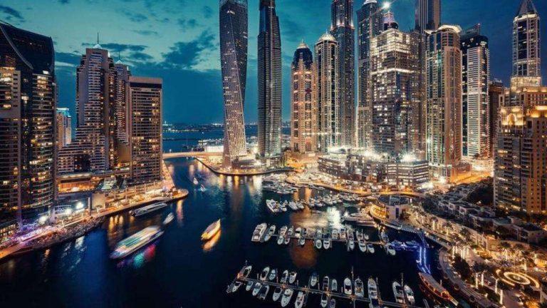 السياحة في دبي في شهر أبريل