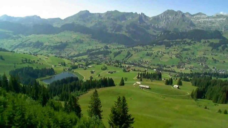 السياحة في سويسرا في شهر يوليو /  بحر المعرفة