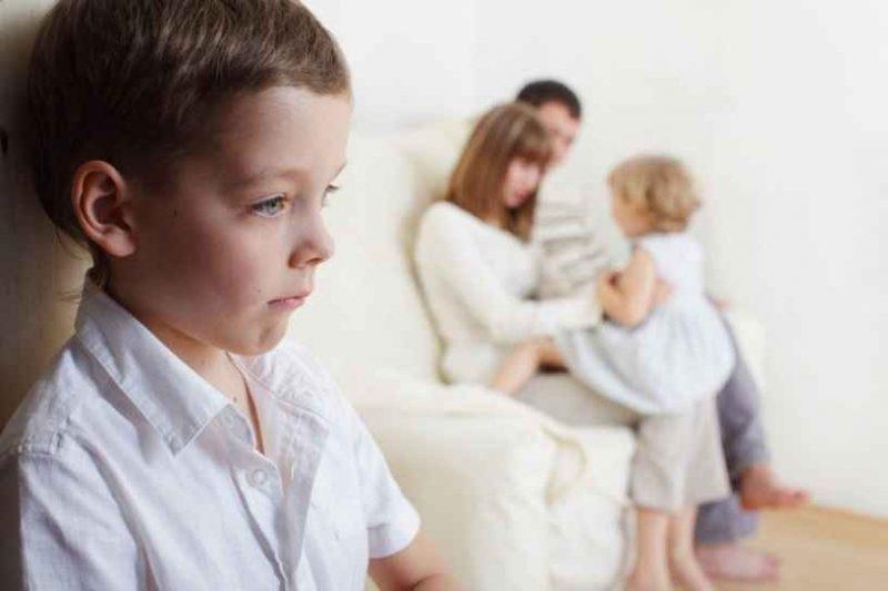 كيفية التعامل مع الأب المتسلط
