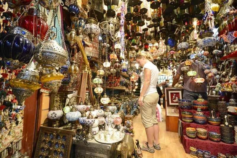 الاسواق الشعبية في سلطنة عمان أكثر العوامل جذبا للسياح ويعود تاريخها لـ200 عاما
