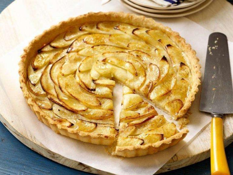 طريقة عمل تورتة التفاح .. ألذ وأشهى وأسرع طرق لعمل تورتة التفاح