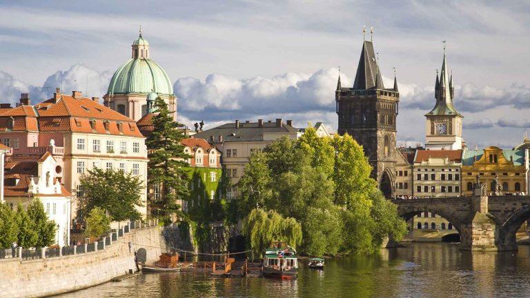 """نصائح السفر الى التشيك .. """"جوهرة الغرب""""ودليلك لقضاء رحلة مميزة والتمتع بالطبيعةالساحرة"""