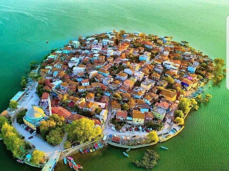 """قرية جوليازي بورصه .. رحلة إلى """"الجزيرة الساحرة"""" فى الريف التركى .."""