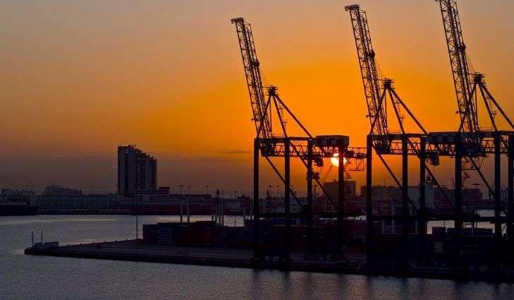 بماذا تشتهر جنوب افريقيا صناعيا وتجاريا   بحر المعرفة