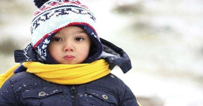 طريقة تدفئة الأطفال في الشتاء .. تعرف على أفضل الطرق لتدفئة طفلك في فصل الشتاء