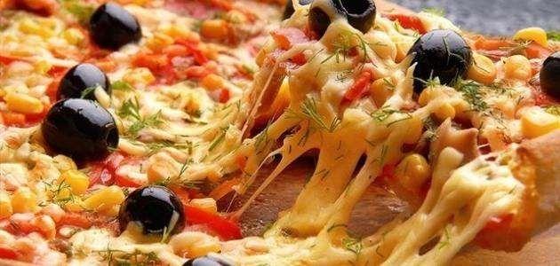 طريقة عمل البيتزا….. تعرف على طرق عمل البيتزا السهلة وبمكونات بسيطة l  بحر المعرفة