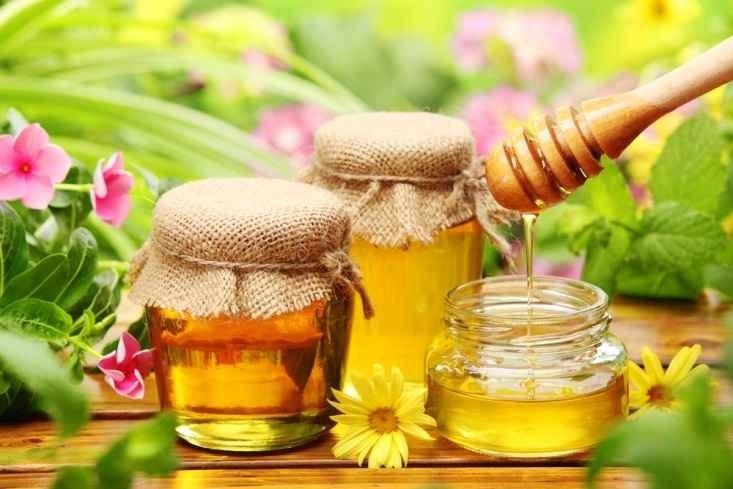 فوائد العسل قبل النوم … إليك مجموعة فوائد مذهلة عن تناول العسل قبل النوم وتأثيره على العقل