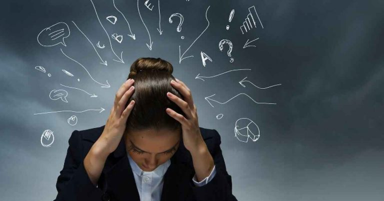 كيفية التخلص من التفكير السلبي ؟ باستخدام اساليب عديدة للتحول للتفكير الايجابي