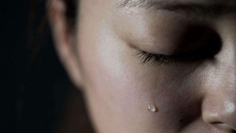 ما هي أسباب البكاء المفاجئ … تعرف علي اسبابه وكيفية السيطرة عليه