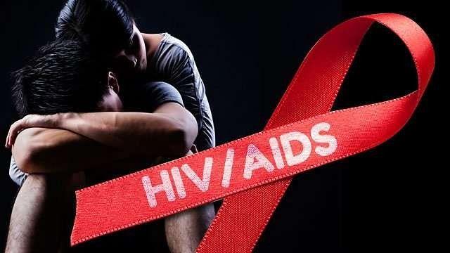 ما هي اسباب مرض الايدز … وكيف ينتقل فيروس الايدز من شخص الي اخر