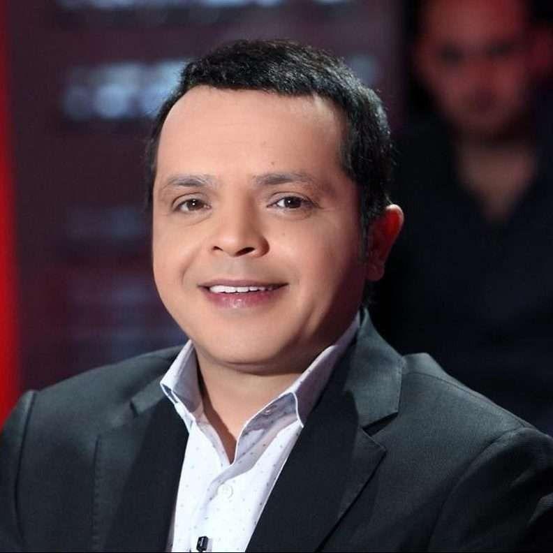 قصة حياة الممثل محمد هنيدي .. تعرف على السيرة الذاتية لهنيدي عبقري الكوميديا