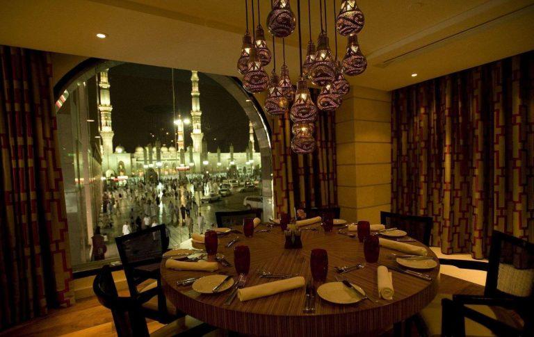 مطاعم المدينة المنورة القريبة من الحرم… إليك أفضل مطاعم المدينة المنورة القريبة من الحرم
