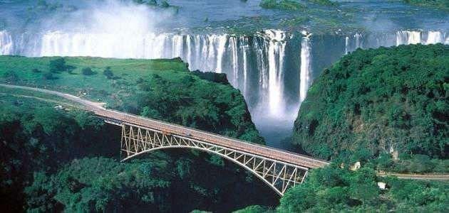 معلومات عن دولة زامبيا وأهم مصادر الدخل والصناعات بها واللغة الرسمية بها