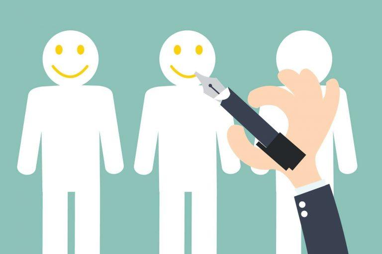 فن التعامل مع العملاء .. 10 طرق لكسب ثقة ورضاء العملاء تعرف عليها  بحر المعرفة
