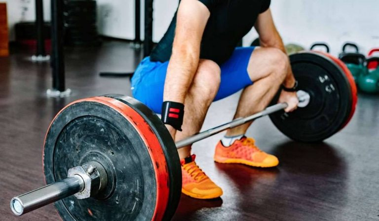 فوائد رفع الأثقال – فوائد صحية لا تصدق لرياضة رفع الأثقال