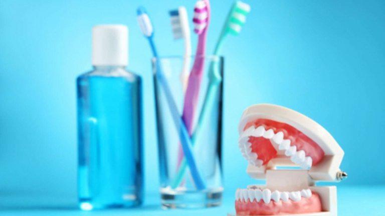 غسول الفم – يمنحك نفسا منعشا ويقضي على البكتيريا