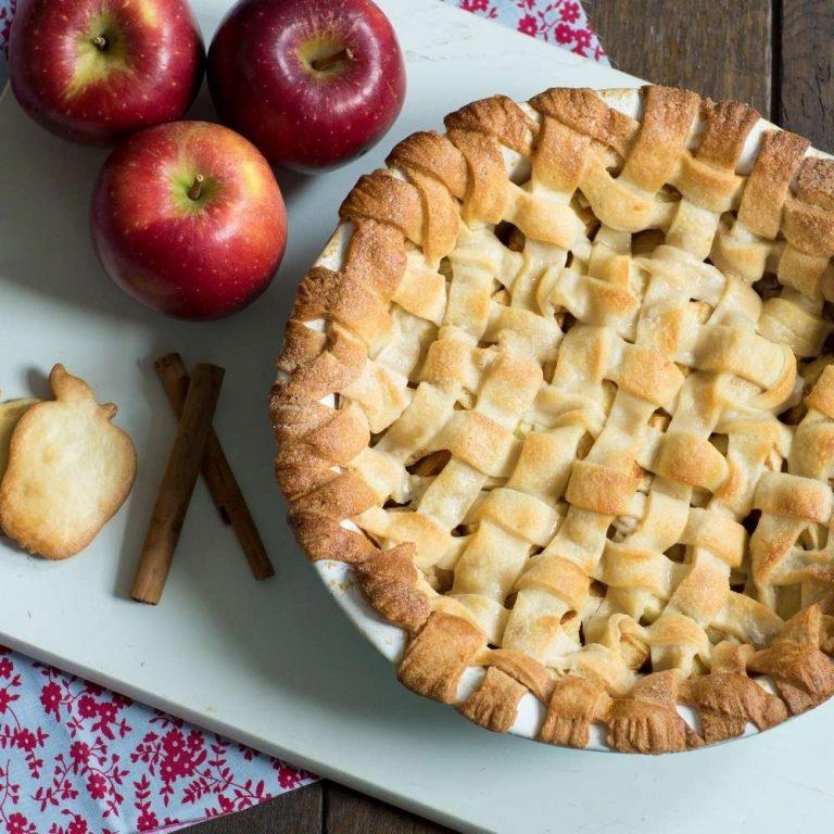 طريقة عمل فطيرة التفاح  –
