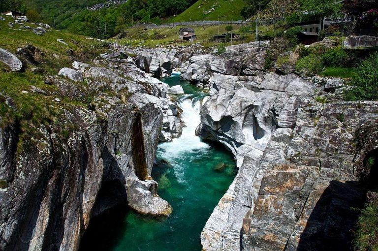 معلومات عن نهر فيرزاسكا في سويسرا .. تعرف على نهر فيرزاسكا واحدا من أنقى أنهار العالم
