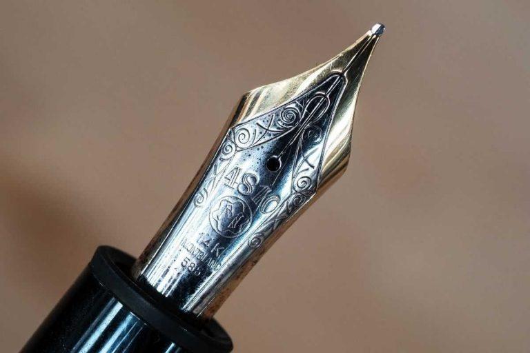 من اخترع القلم .. أهم المعلومات عن تاريخ الاقلام والكتابة ومن هم مخترعي القلم –