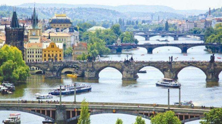 معلومات عن جمهورية التشيك.. جولة حول الصناعة والاقتصاد التشيكي
