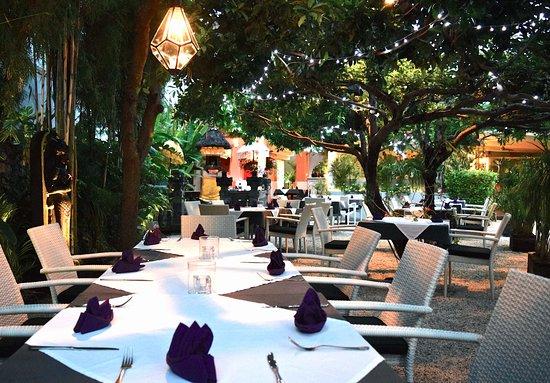 Image result for مطعم بيرل بالي