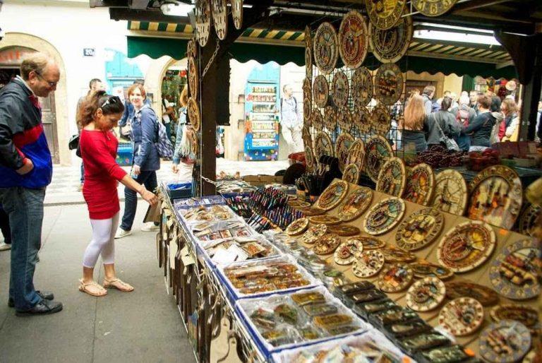 الأسواق الشعبية الرخيصة في براغ -التشيك