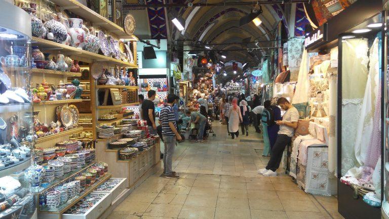 الأسواق الرخيصة في اسطنبول .. أشهر 5 أسواق تبيع البضائع بأسعار رخيصة
