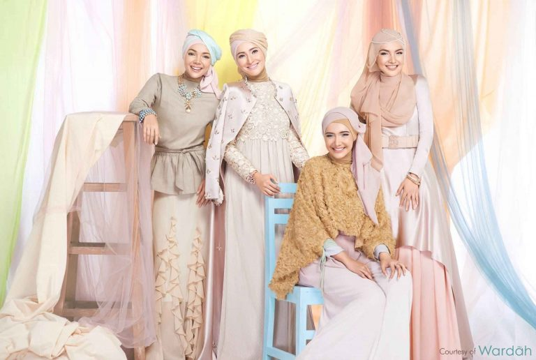 أشهر ماركات الملابس في اندونيسيا .. عاصمة الموضة الإسلامية !