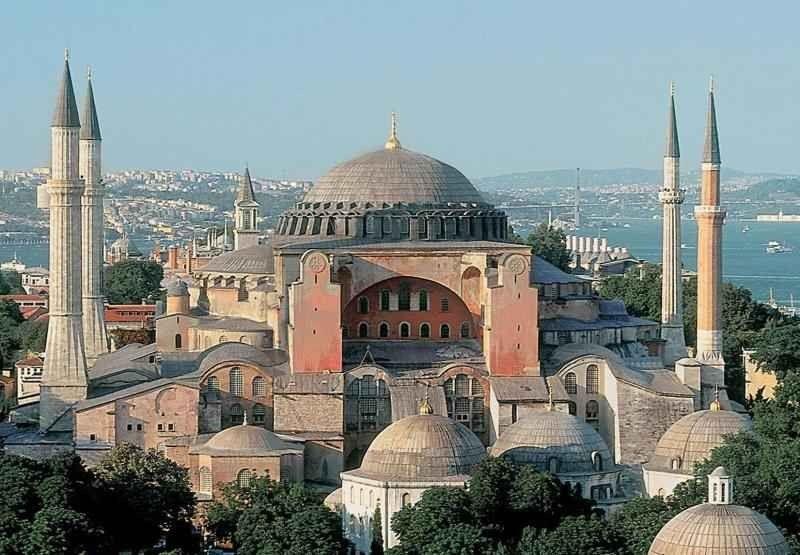 من كنيسة إلى مسجد
