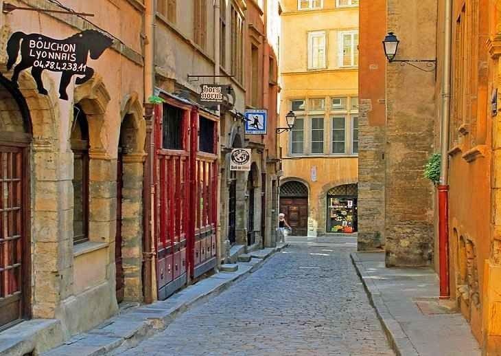 السياحة في ليون فرنسا – و أفضل 12 اماكن سياحية
