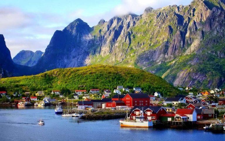أشهر منتجات النرويج .. تعرف على أشهر المنتجات النرويجية التي يمكن شرائها عند زيارتك لها