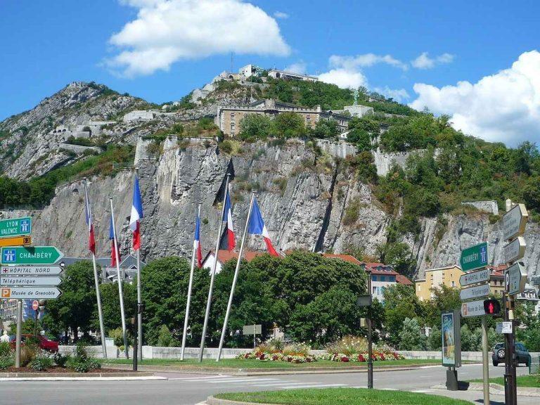 السياحة في غرونوبل الفرنسية .. تضمن لك قضاء أجمل جولة سياحية بالوجهات السياحية بفرنسا