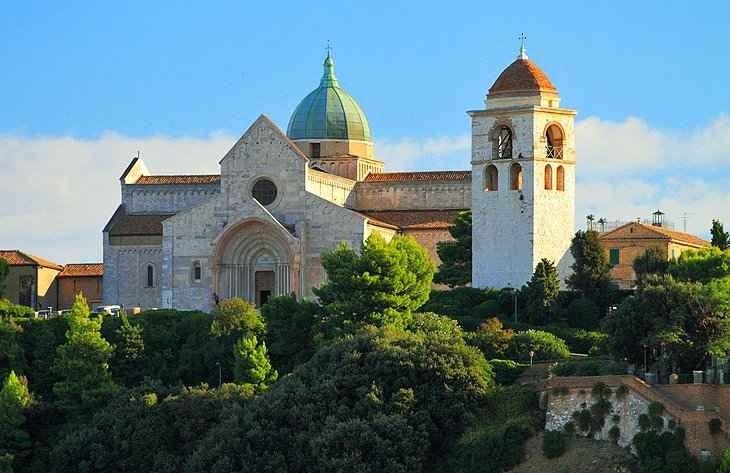 أهم 9 أماكن سياحية في مدينة أنكونا الإيطالية