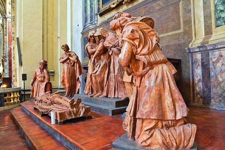 و أهم 10 اماكن سياحية في بولونيا الإيطالية