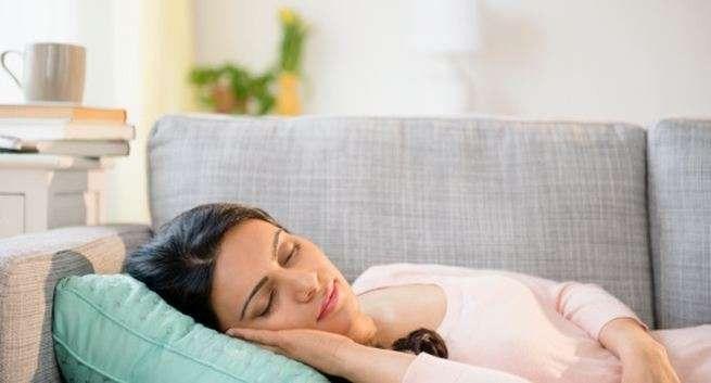 ما هي اسباب كثرة النوم والخمول
