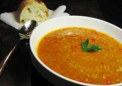 طريقة طبخ العدس الأصفر والبني لتحضير حساء شهي وطبق رئيسي مميز