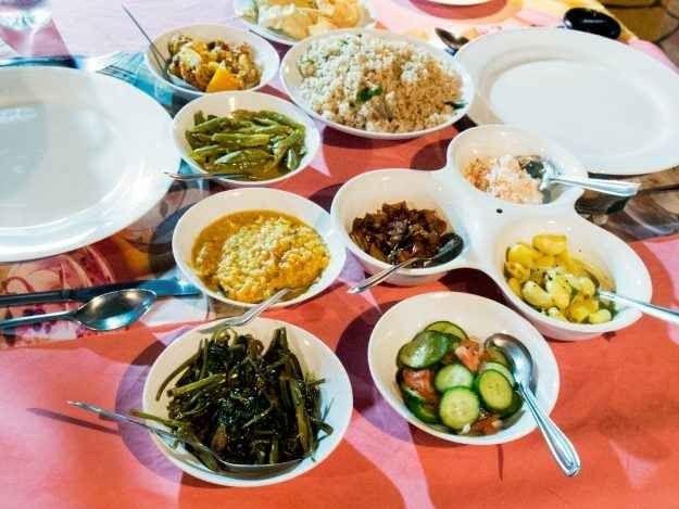 الأكلات الشعبية المشهورة في سريلانكا : و أفضل 10 أكلات سريلانكية