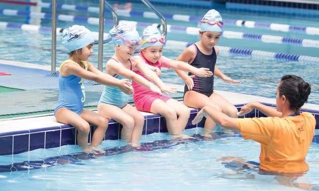 معلومات للأطفال عن السباحه  –